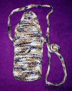 сумочка для мобильного телефона в растегнутом виде