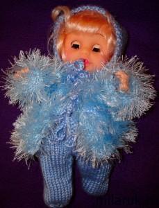 Вязаное пальто с шапочкой и ползунками для куклы