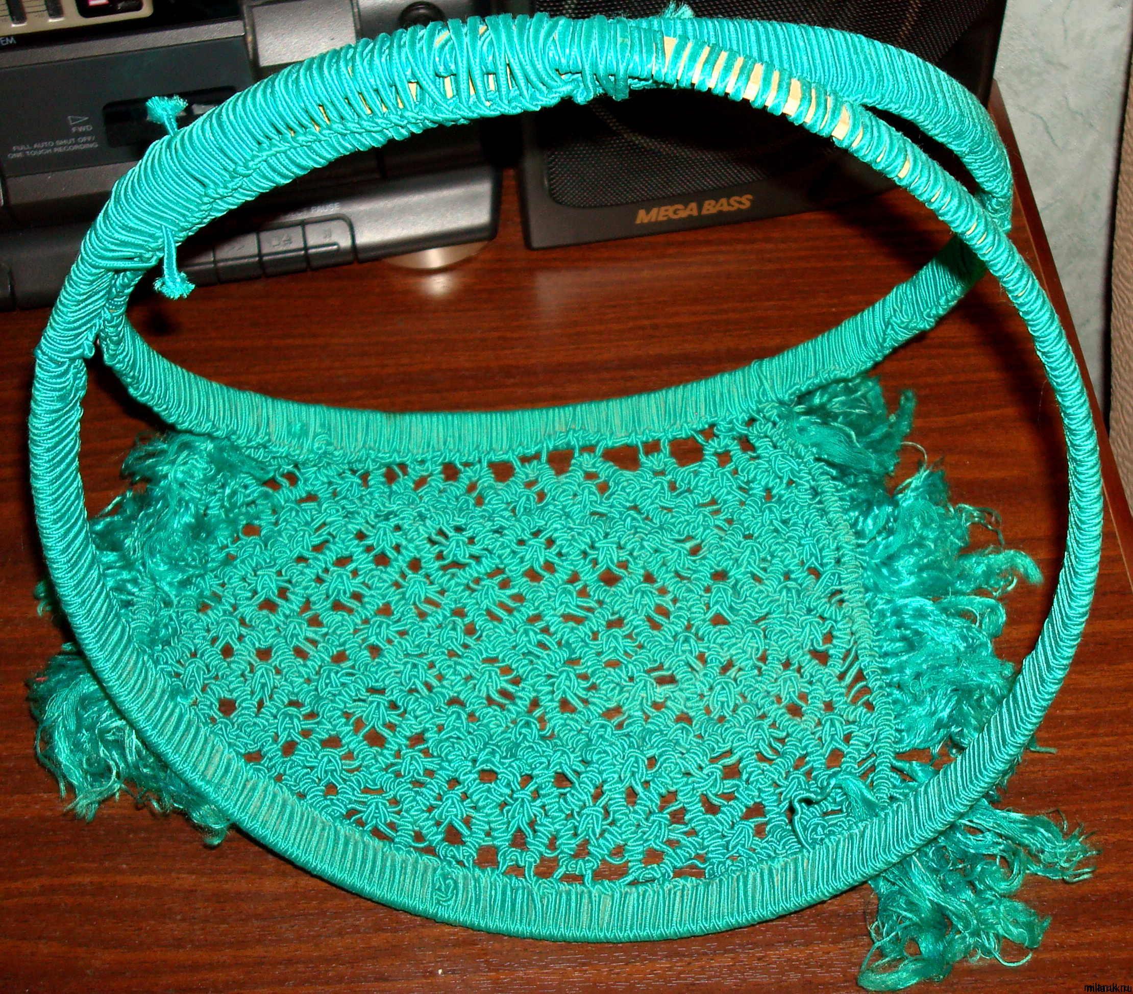 Изделия в технике плетения макраме: подушка и корзинка-ваза milaruk.ru